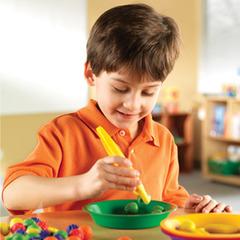 Medium_learning_resources_giant_tweezers_hand_eye_dexterity_fine_motor_early_years