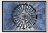 Small adobestock 136737733 centre of gravity art
