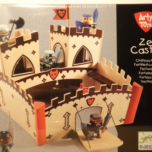 Large arty toys ze castle comp