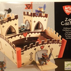 Medium_arty_toys_ze_castle_comp