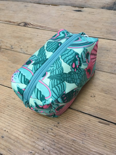 Large dbn   small shell bag