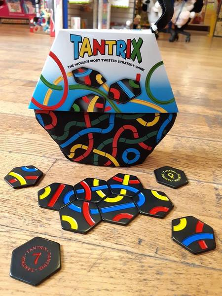 Large tantrix game