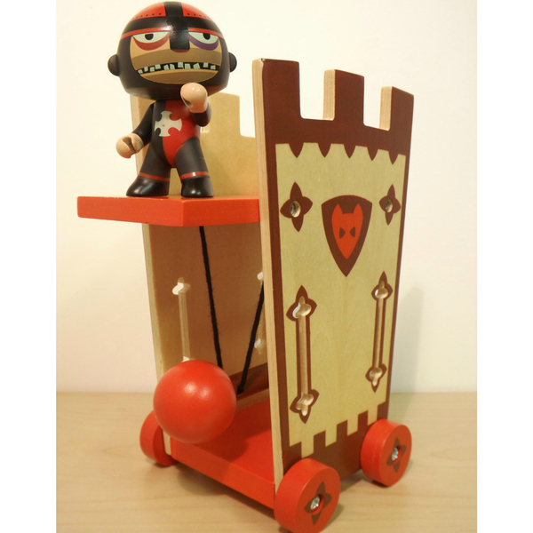 Large arty toys darius and the attack tower with border2