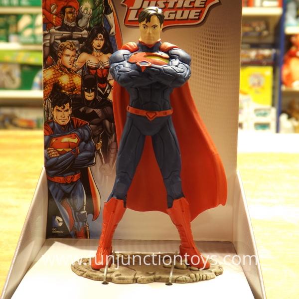 Large sch jl superman standing  w