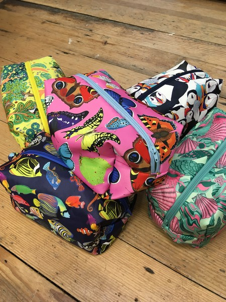 Large dbn   washbags