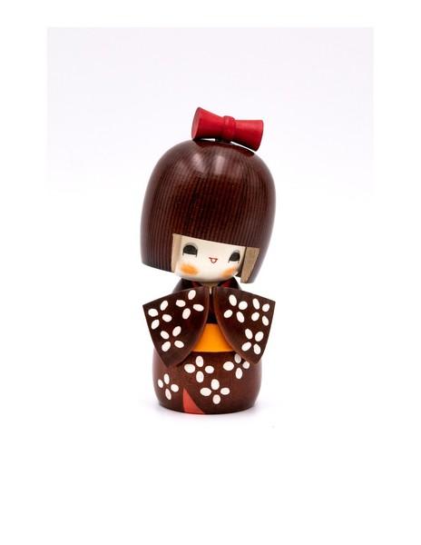 Large kokeshi doll girl with short sleeved kimono kosode
