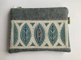 Small ln   leaf purse