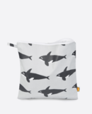 Small orca toiletrybag web